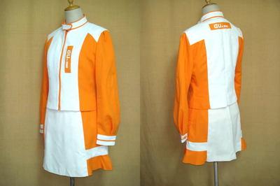 auキャンペーンガールの制服