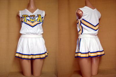 東亜学園高等学校のチアガールの衣装