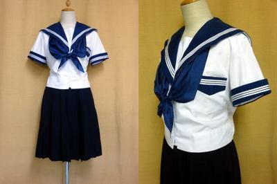 大阪成蹊女子高等学校の制服